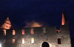 Wisingsborg brinner!